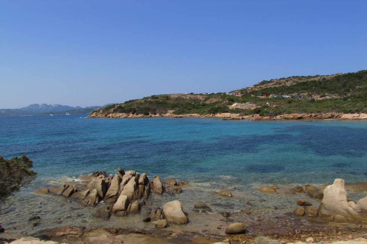 L'isola di Caprera in barca a vela. Arcipelago della Maddalena