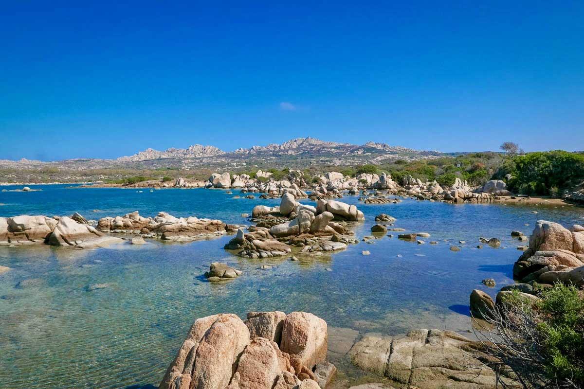 L'isola di Santo Stefano in barca a vela. Arcipelago della Maddalena
