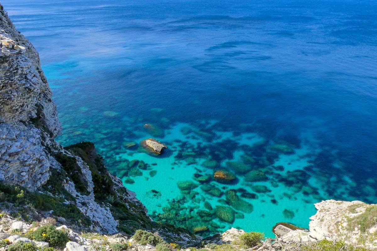 Bonifacio in barca a vela. Arcipelago della Maddalena