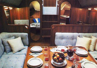 interni della nostra barca a vela Allegra